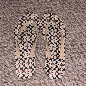 LIKE NEW adorable bow coach flip flops!